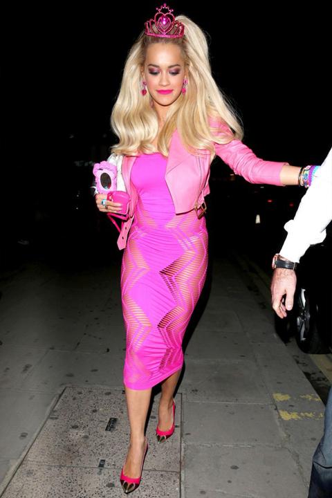 Różowa stylizacja Rity Ory na imprezę Halloweenową
