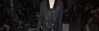 Alexa Chung na pokazie H&M x Balmain