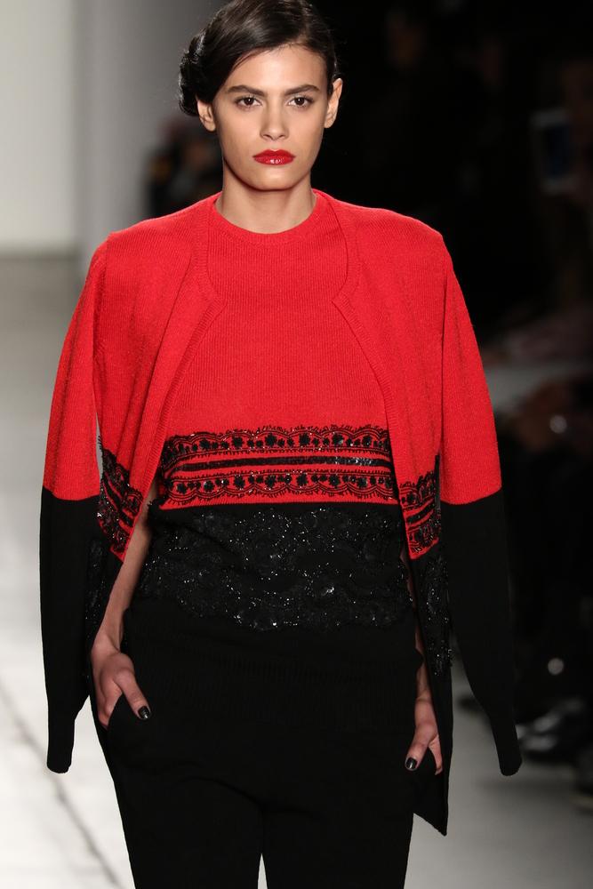 Mocny zestaw - czarno czerwony sweter plus pasująca dzianinowa marynarka