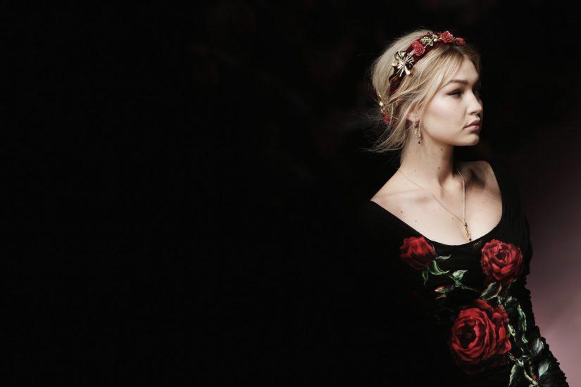 Pokaz Dolce Gabbana jesień zima 2015 ozdobna opaska do włosów