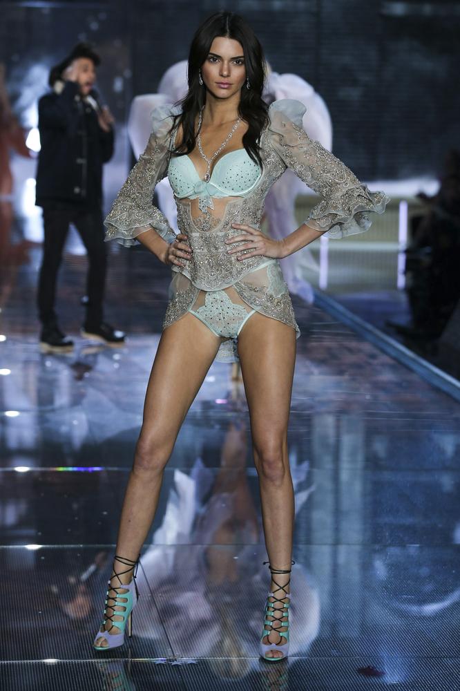 Kendall Jenner na pokazie VS 2015