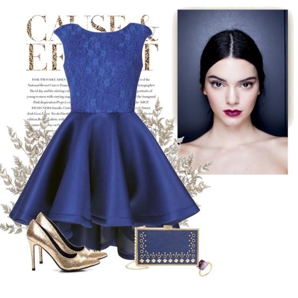 Niebieska rozkloszowana sukienka na studniówkę