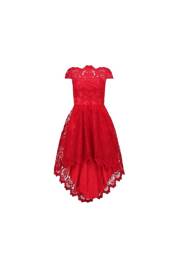 Krótka koronkowa czerwona sukienka