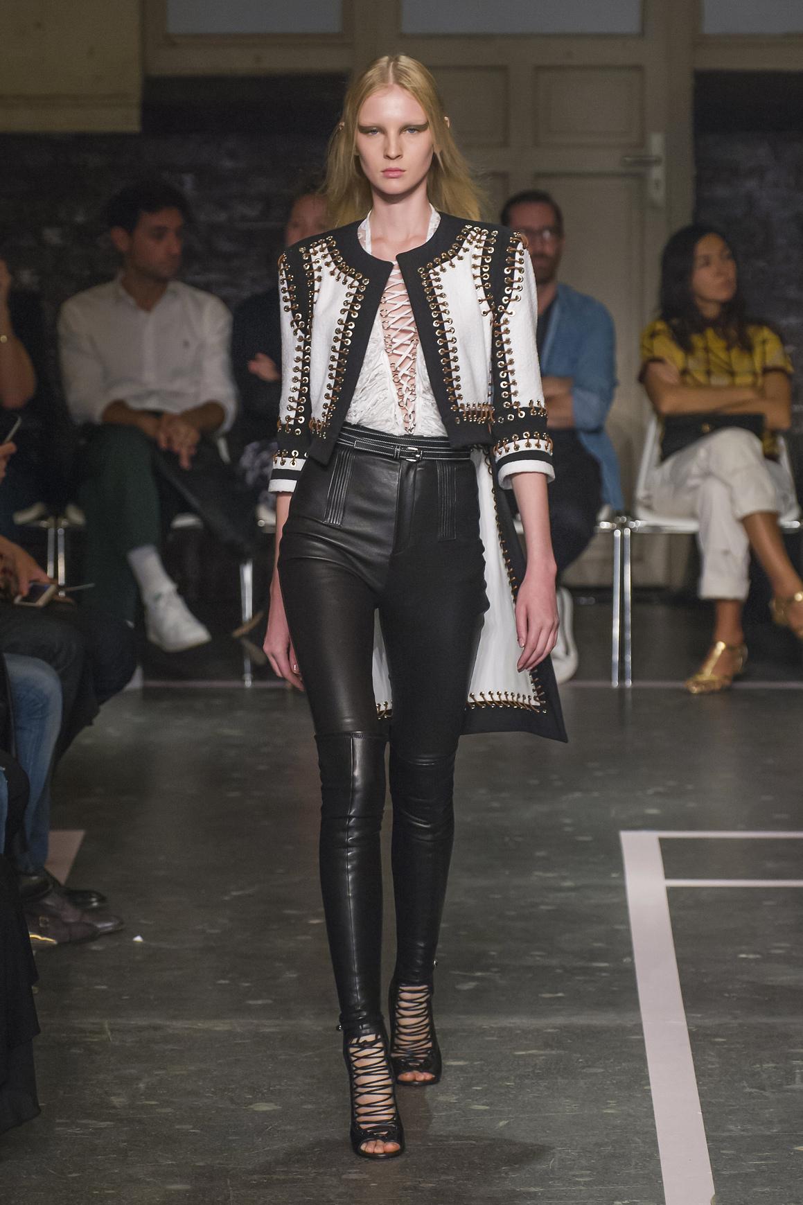 Givenchy prezentuje nowy trend na sznureczki