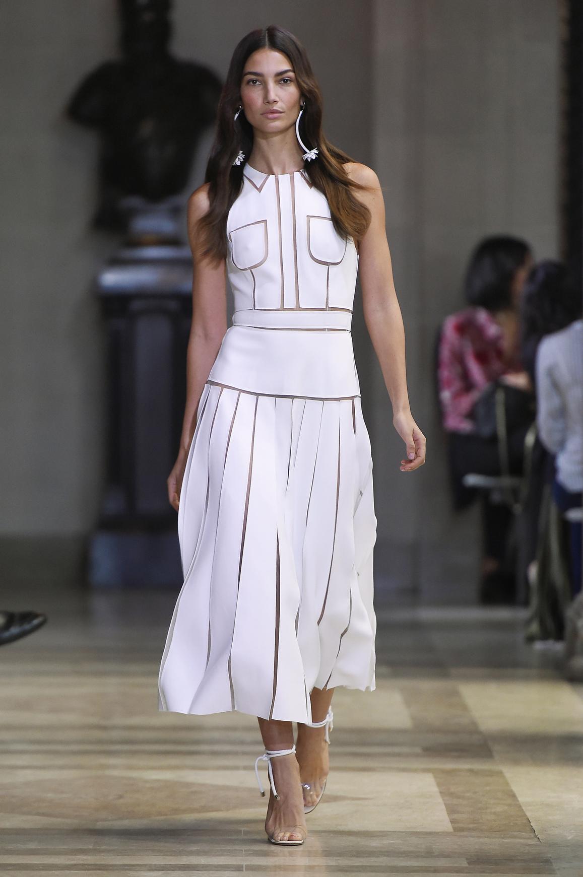 Plisowana spódnica ze złotym zdobieniem, Karolina Herrera