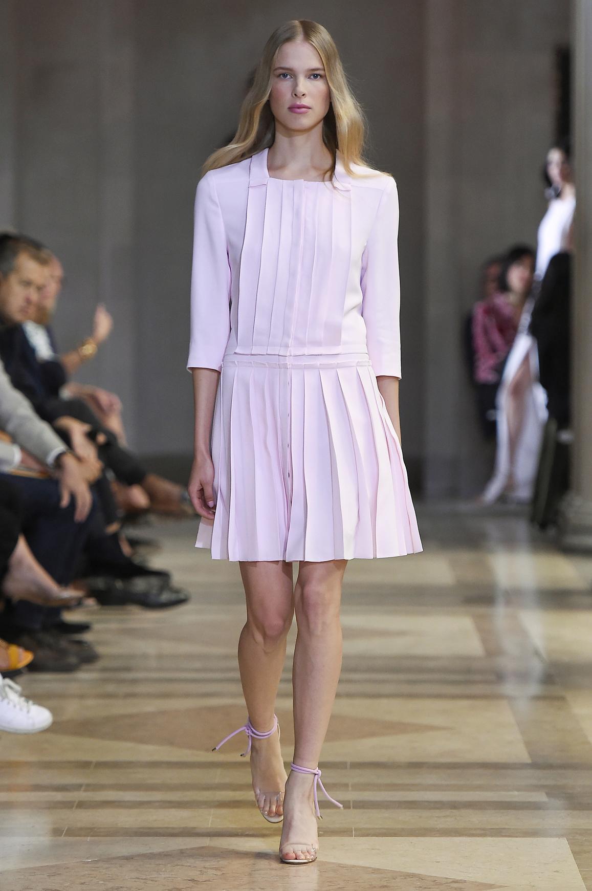 Pastelowa, plisowana sukienka Karolina Herrera