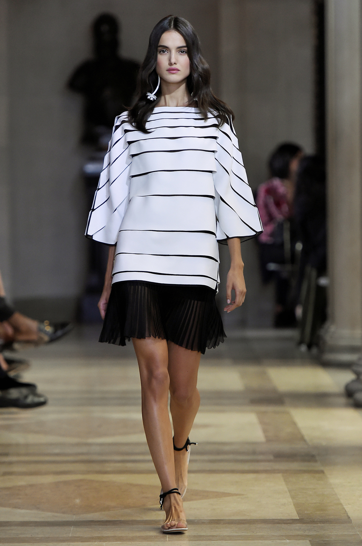 Czarna, plisowana spódniczka mini, Karolina Herrera