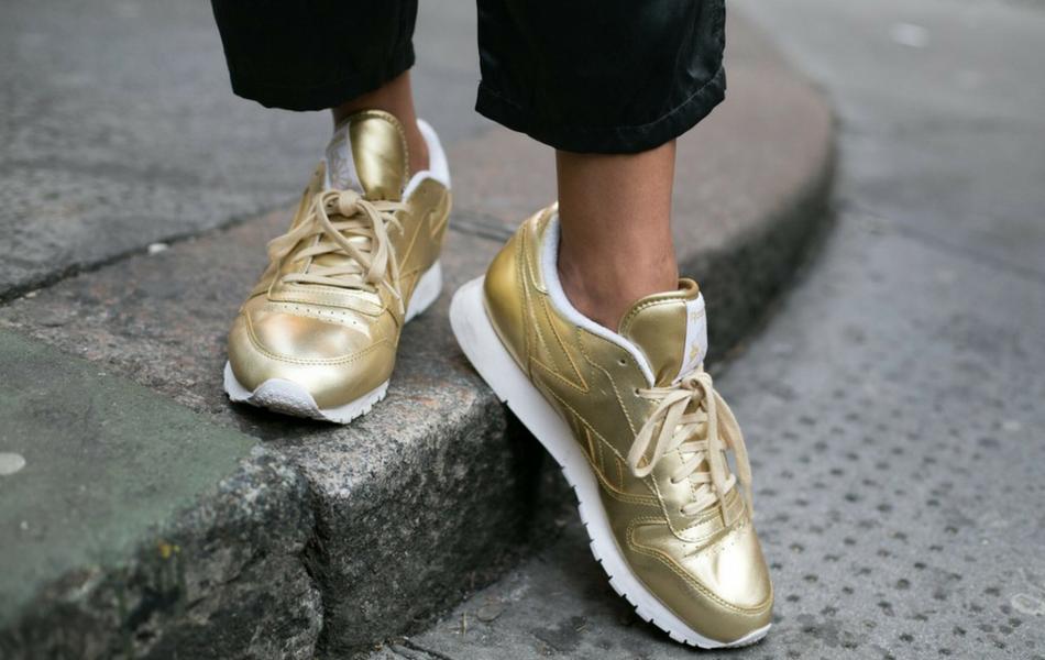 W co się ubrać na podróż - postaw na sportowe buty
