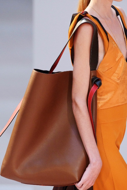 Brązowa torebka typu shopper