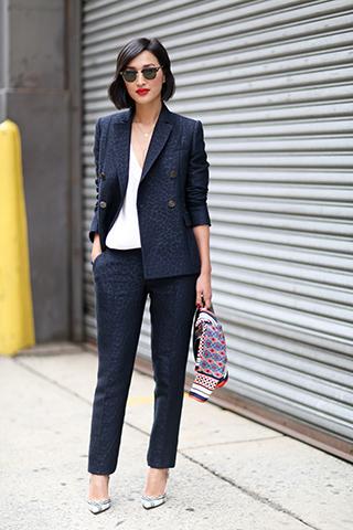 Damski garnitur - podstawa stylowego outfitu