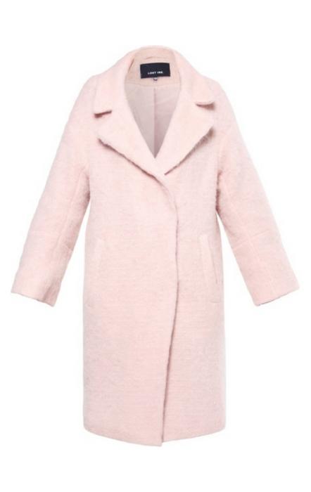 Pudrowo różowy płaszcz