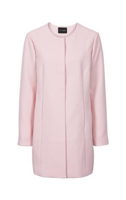 Pudrowo różowy płaszcz na zamek