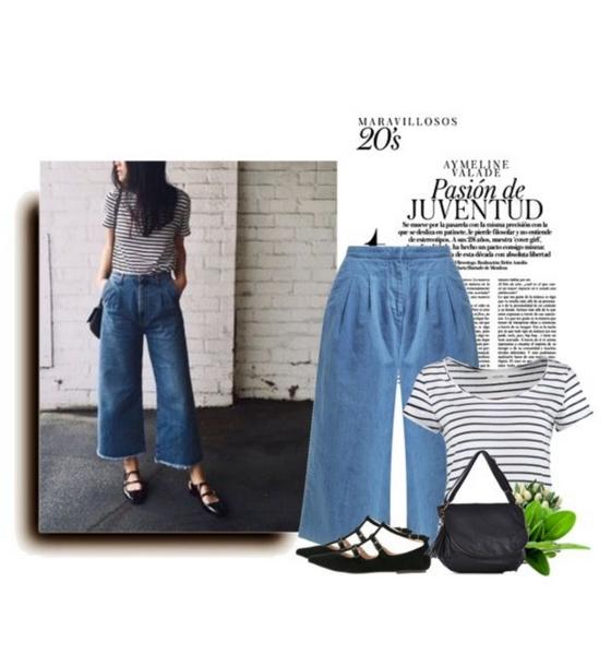 Stylizacja z jeansowymi spodniami culottes, t-shirtem w marynarskim stylu i balerinami