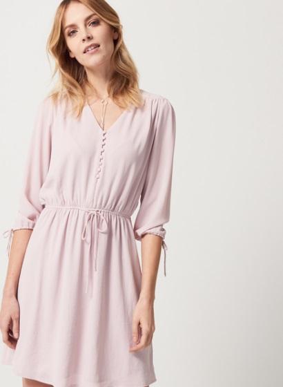 Dziewczęca sukienka w kolorze pudrowego różu