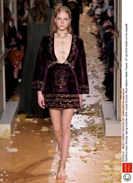 Bordowa sukienka szyfonowa