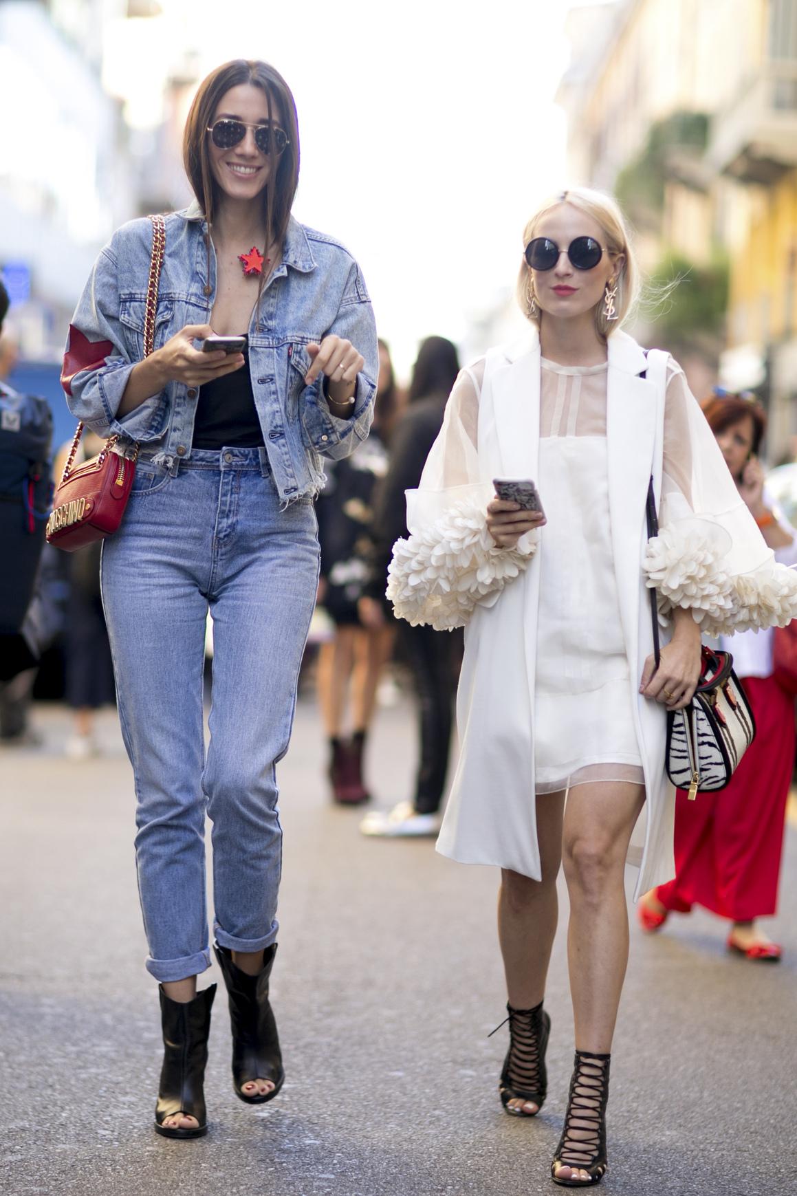 Jeansowy total look podczas Tygodnia Mody w Mediolanie