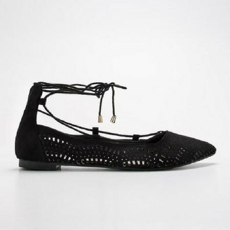 Czarne sznurowane sandałki