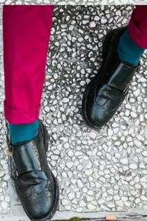 Zielone skarpetki sprawią, że nawet czarne buty nie będą nudne