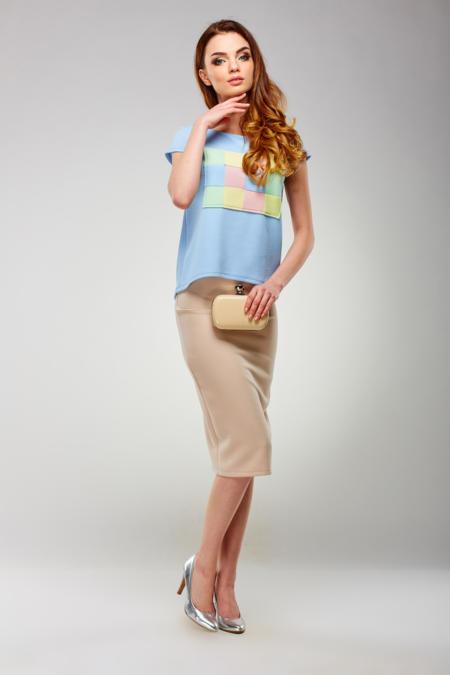 T-shirt z pastelowym nadrukiem w kolorze serenity