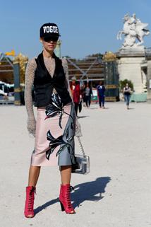 Różowe botki peep-toe na fashion weeku