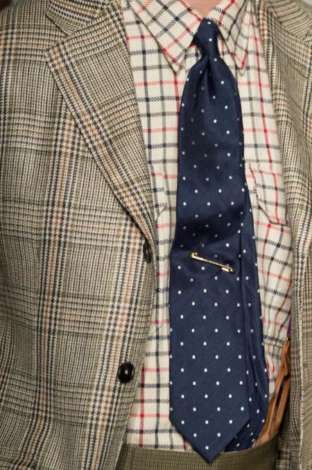 Krawat pasuje do marynarki