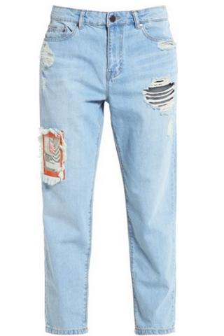 Jasne jeansy typu boyfriend