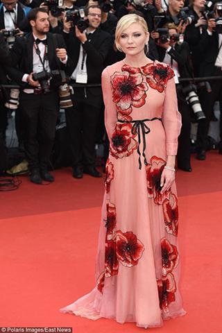 Kirsten Dunst w kreacji od Gucciego