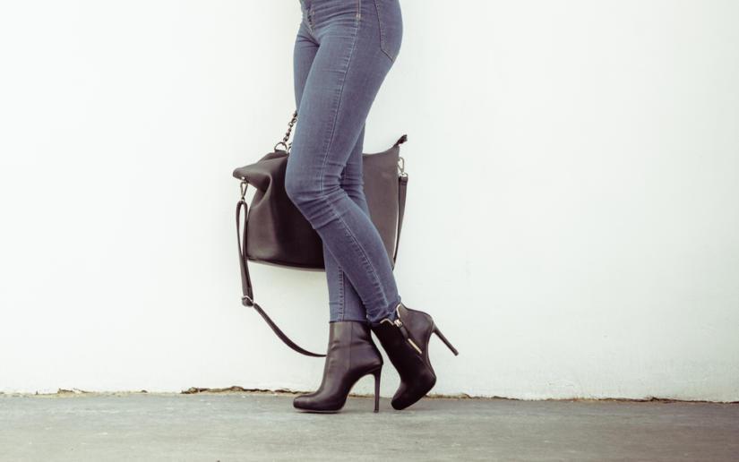 Technika chodzenia w szpilkach to ważny atut każdej kobiety
