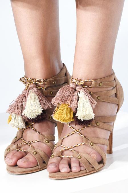 Buty z frędzelkami od Ulla Johnson