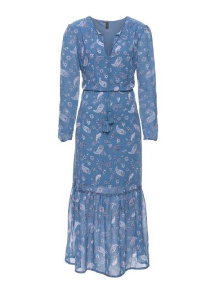 Niebieska sukienka w stylu boho