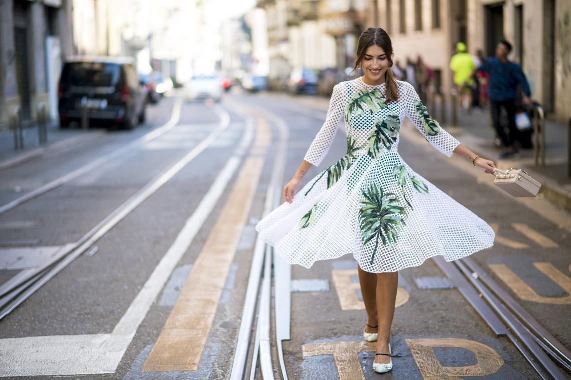 2693c89f52 sukienka w kwiaty na wesele czy wypada - stylowo i modnie z Allani