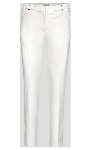 Białe długie spodnie