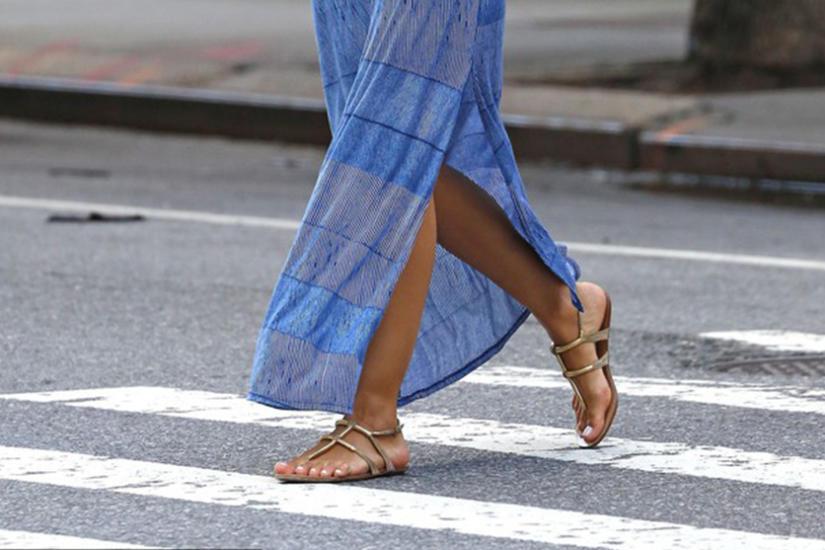 Jak nosic płaskie buty latem