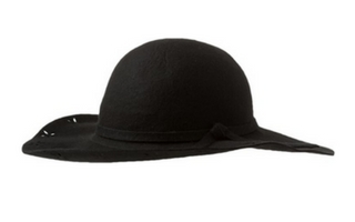 Czarny kapelusz z rondem