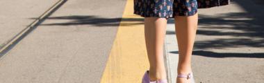 Sandały na koturnie na lato