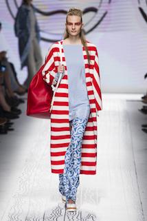 Płaszcz w duże paski w marynarskim stylu