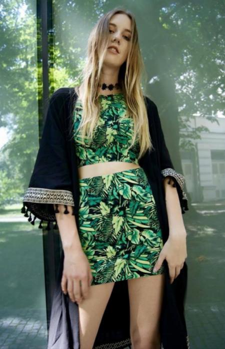 Zielony zestaw i czarne kimono