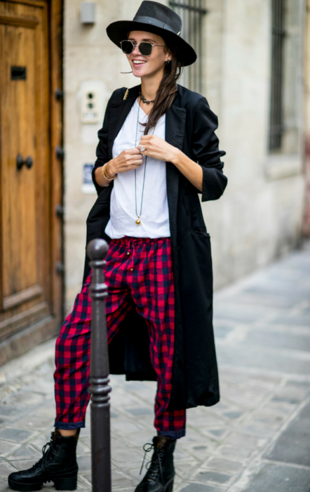 Spodnie w kratę - mocny element stylizacji