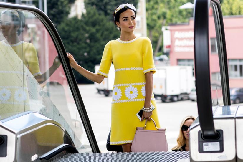 Sukienki w soczystych kolorach