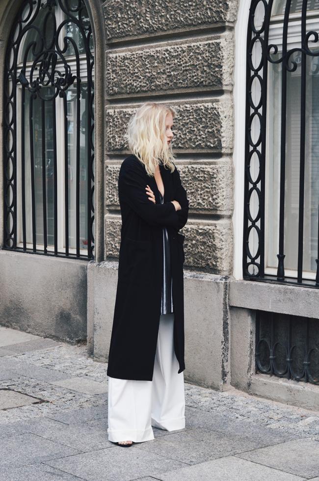 stylizacja z eleganckimi spodniami palazzo
