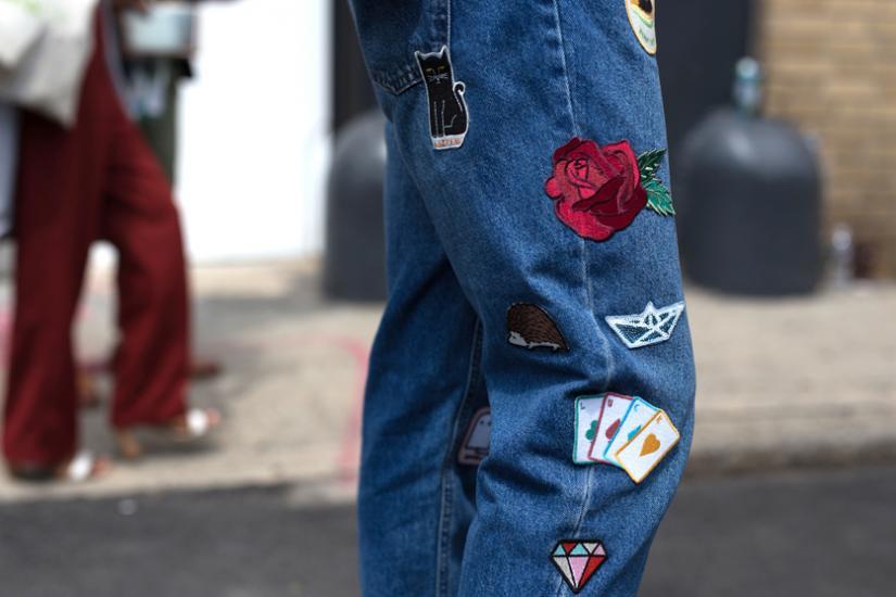 spodnie z naszywkami