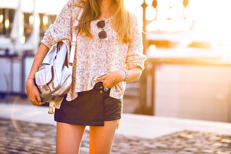 Skórzana asymetryczna spódnica mini