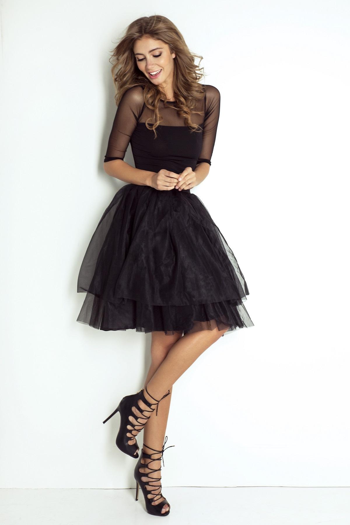 Z natury tiulówki są dziewczęce i urocze - śmiało możesz ubrać je na elegancką imprezę!