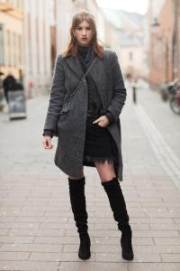 stylizacje na zimę trapezowe spódniczki jak nosić spódnice zimą