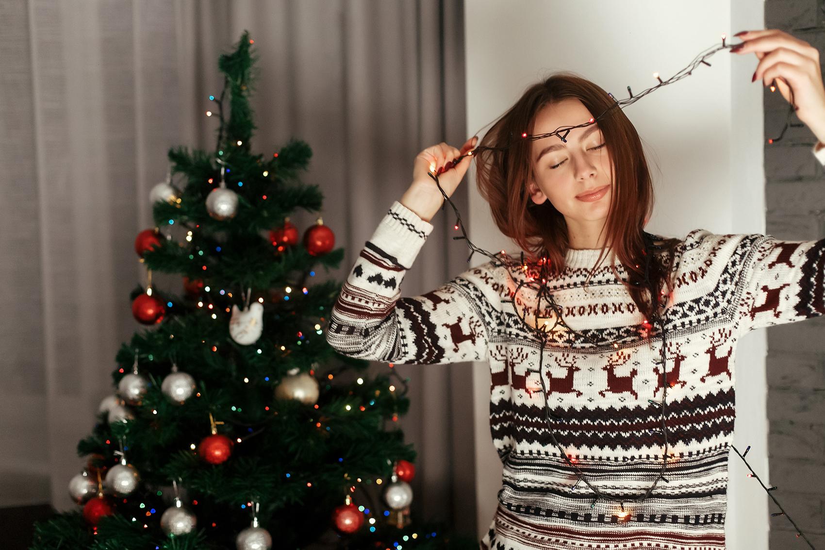Świąteczne swetry, które założysz bez obciachu