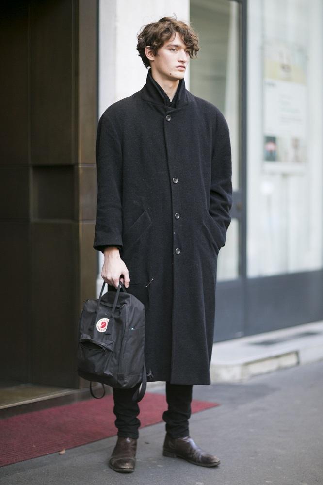 Plecak pasuje do klasycznego płaszcza