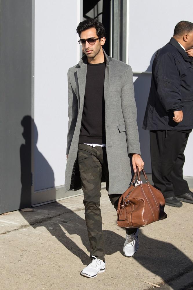 Duża torebka do ręki pasuje do klasycznego płaszcza