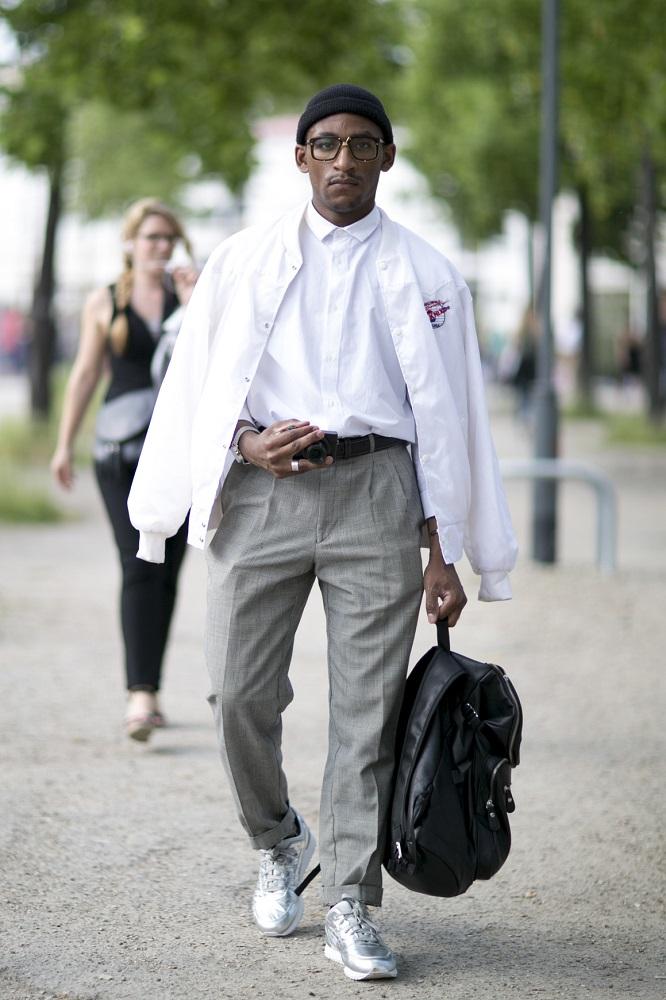 Plecak można nosić w ręku