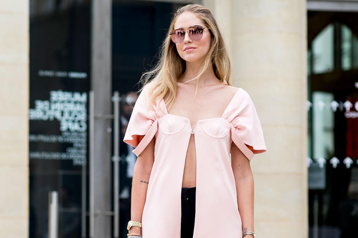 Chiara Ferragni w mało uniwersalnej bluzce