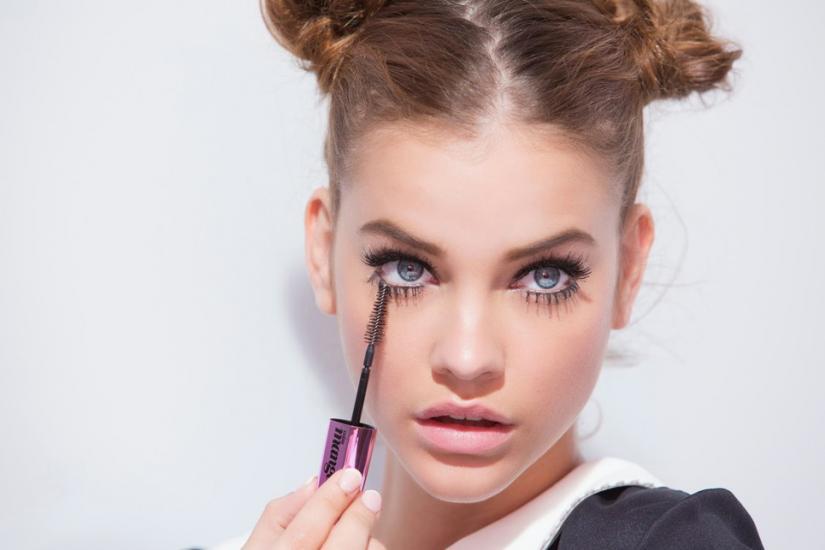 jaki makijaż dla niebieskich oczu